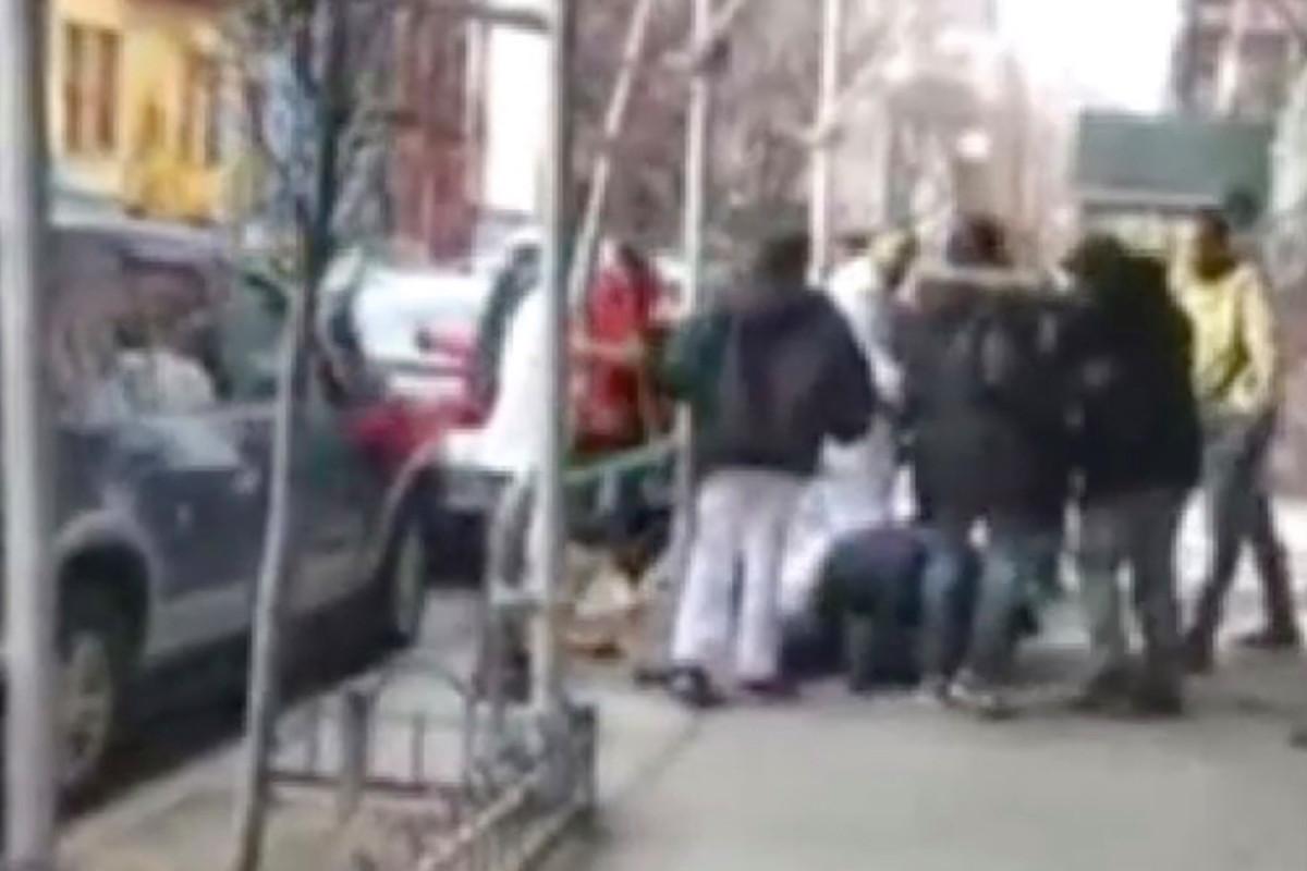 Muggers fracture man's jaw in broad-daylight attack in Manhattan https://t.co/sL2HYGNHJI https://t.co/EO921Zpj6A