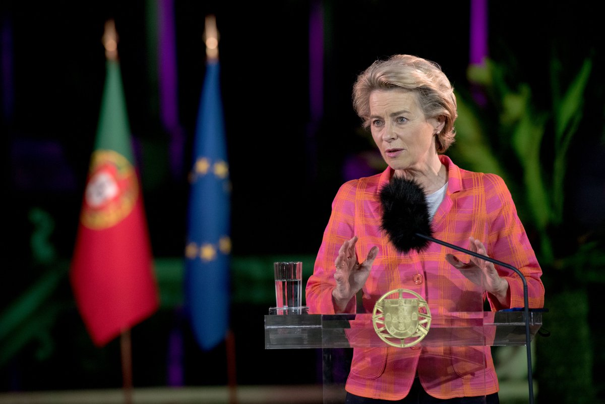 Today, President @vonderleyen and eight members of the College of Commissioners are travelling to Lisbon.  They will mark the start of the Portuguese Presidency of the Council of the EU 🇵🇹🇪🇺  The President and @antoniocostapm will hold a press conference at 15:00 CET.  #EU2021PT