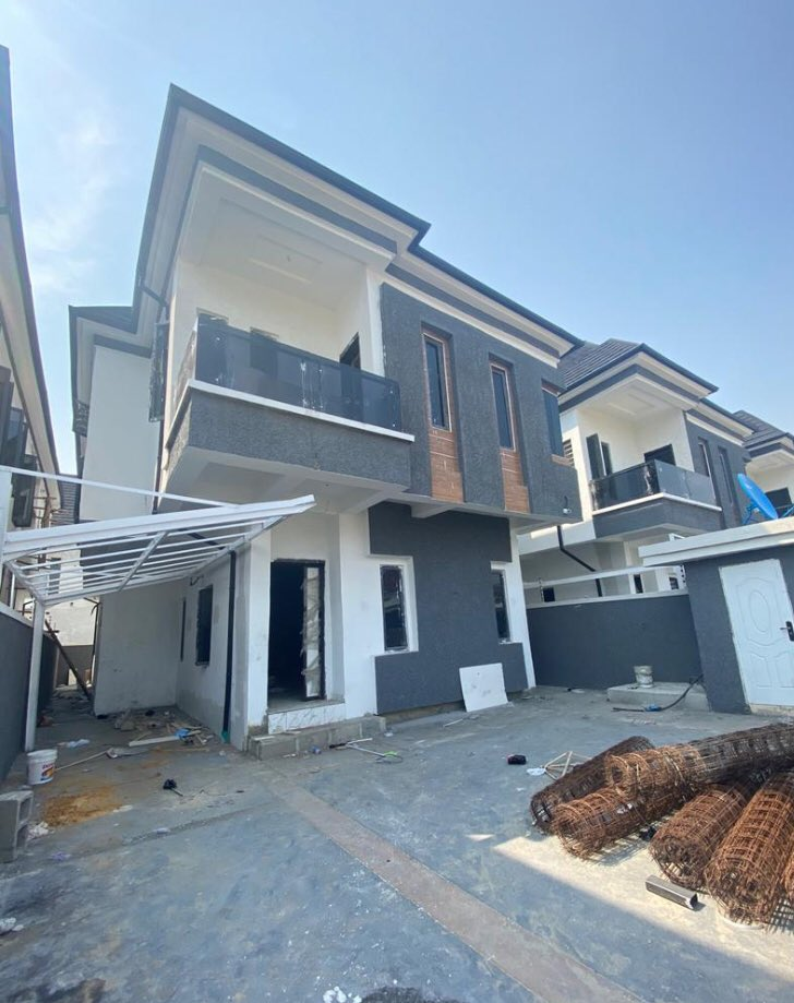 5 BEDROOM FULLY DETACHED DUPLEX WITH A ROOM BQ   PRICE: N110million  LOCATION: Chevron, Lekki LAND SIZE: 340sqm  TITLE: Governor's Consent  Enquirers  Call +234-812-353-0040 WhatsApp +234-815-741-6070 📩 realtorsmarty@gmail.com  #DStvStepUp #mummywa #Thor #Niger #lekki #MedAssist