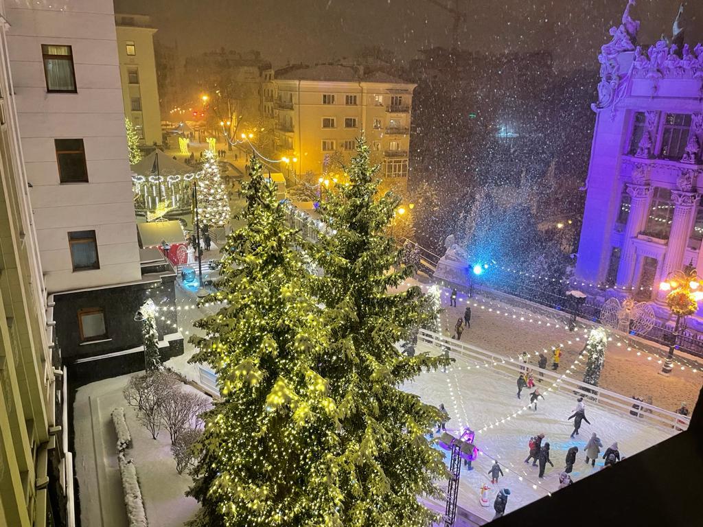 Банкова. Нарешті зима. 14 січня. Ось тепер вже точно – З НОВИМ РОКОМ!!!