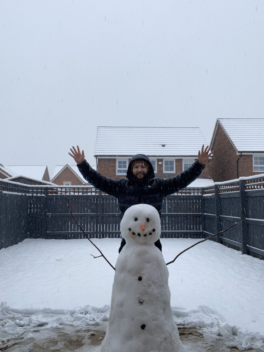 Took a break from my PC and designing today, built a snowman with my fiancée! ❄️ #snow https://t.co/DOd6AxisuB