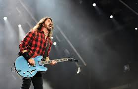 Happy Birthday to the frontman, David Grohl today!   The Foo rocked the arena 3 times over the years