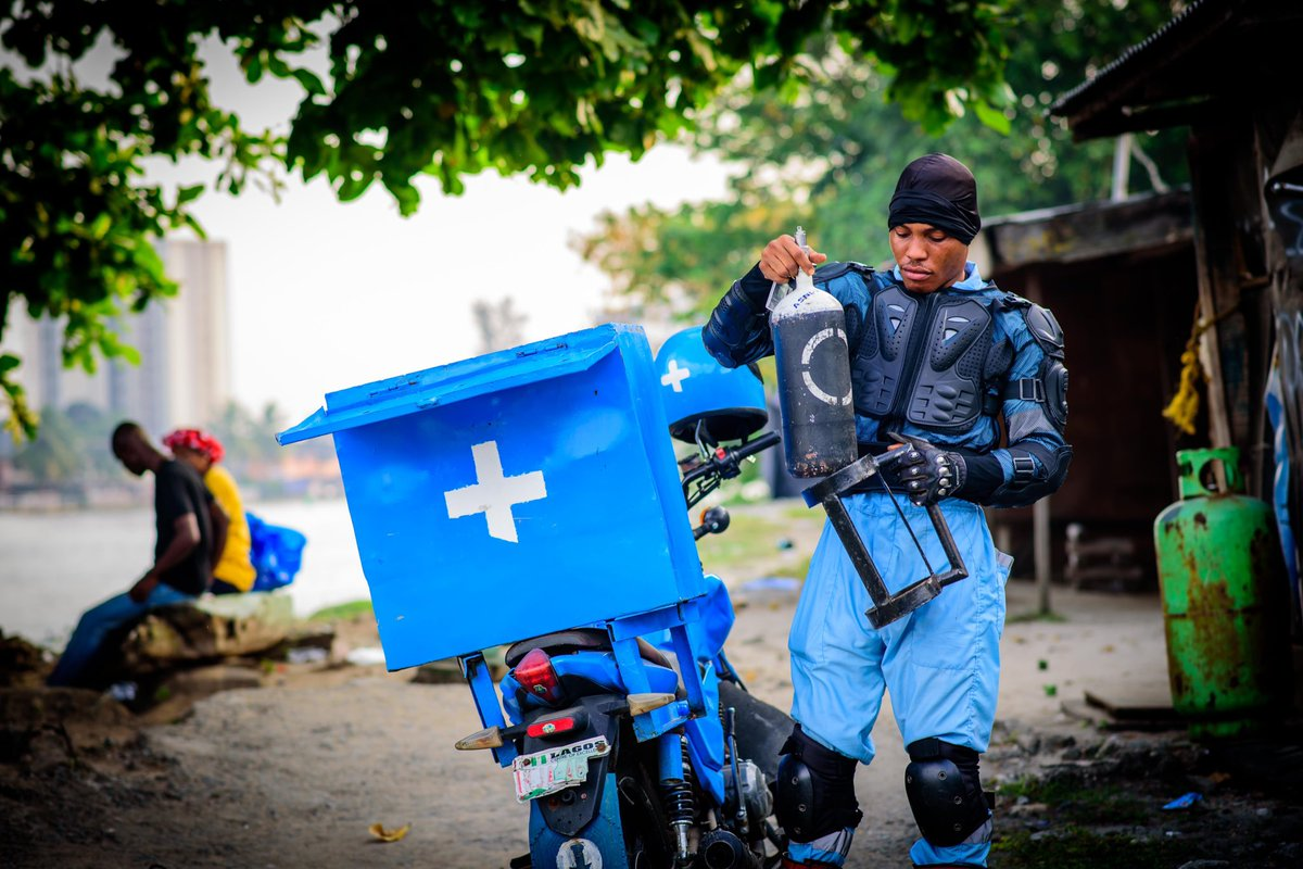 AirBank is now available 24/7 in Lagos, Abuja, Port Harcourt, Ibadan, Kano, Jigawa, Nassarawa and Nairobi! We deliver emergency oxygen on a bike, and scheduled delivery via trucks! If you are ever in trouble, call @LifeBankCares! We truly care! 💙