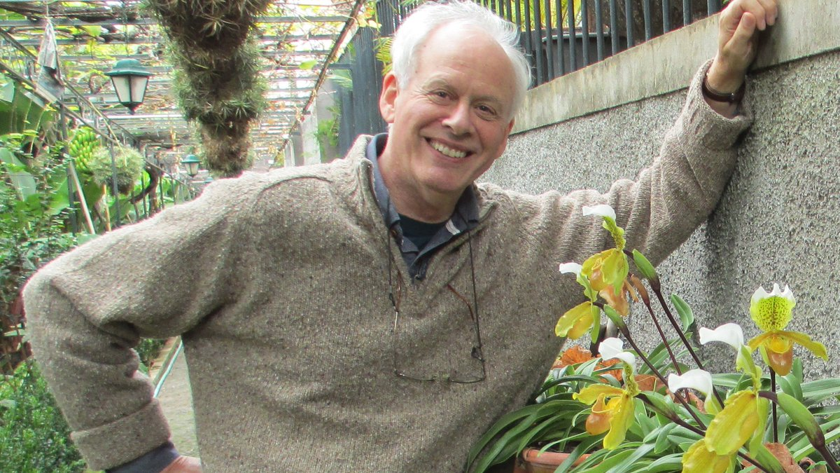 Science Café returns virtually on Jan. 21. 🧪 Join us as Philip Seaton, biology lecturer and orchid grower, discusses problems + potential solutions facing orchid conservation, w/ focus on involving amateur growers + the wider community. Register for FREE: