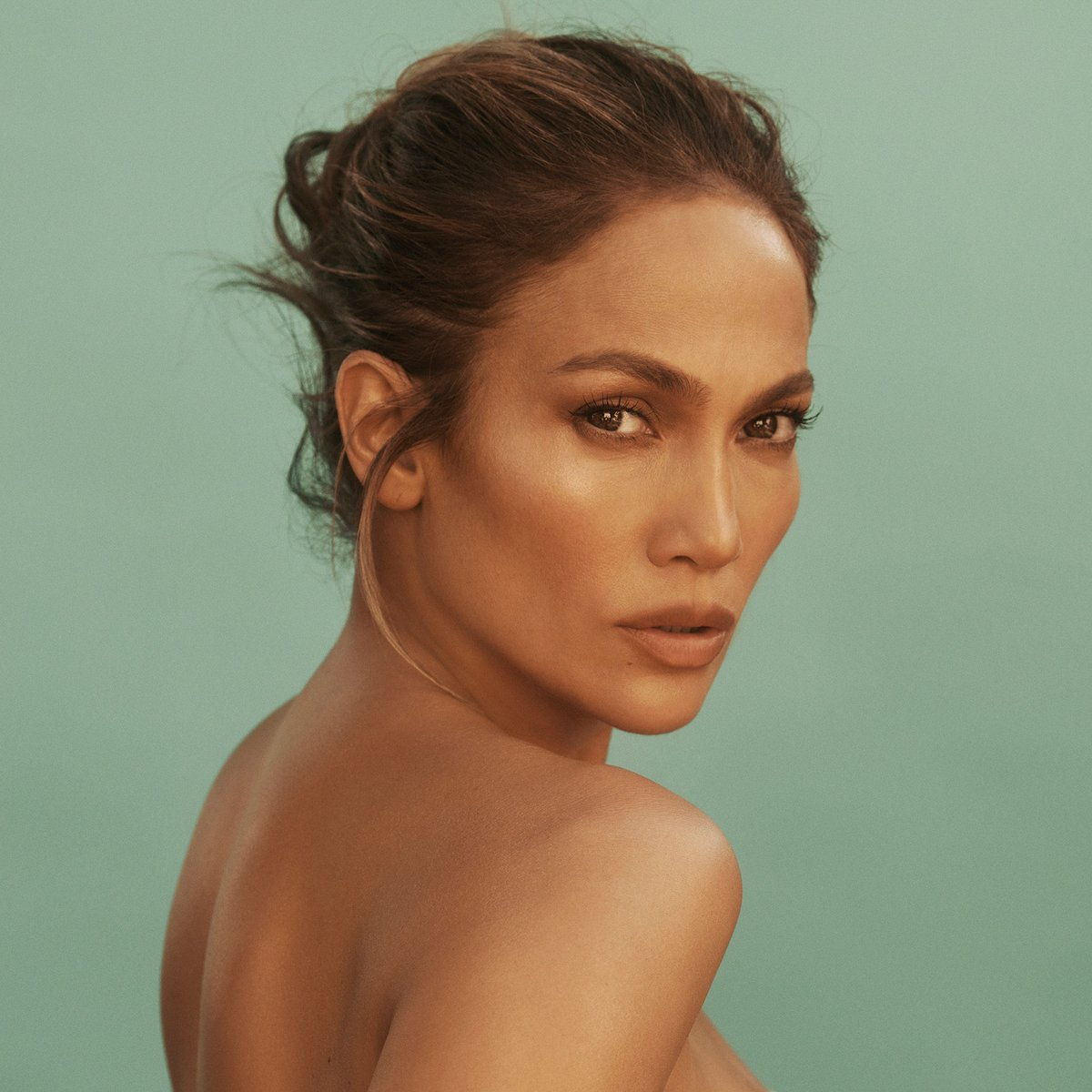 Want to know the secret to JLo's signature glow? ✨ Tune in to our Instagram Live today at 10am PT for an episode of Beauty Chat Room with @jlo to learn all about her brand-new @jlobeauty skincare line!