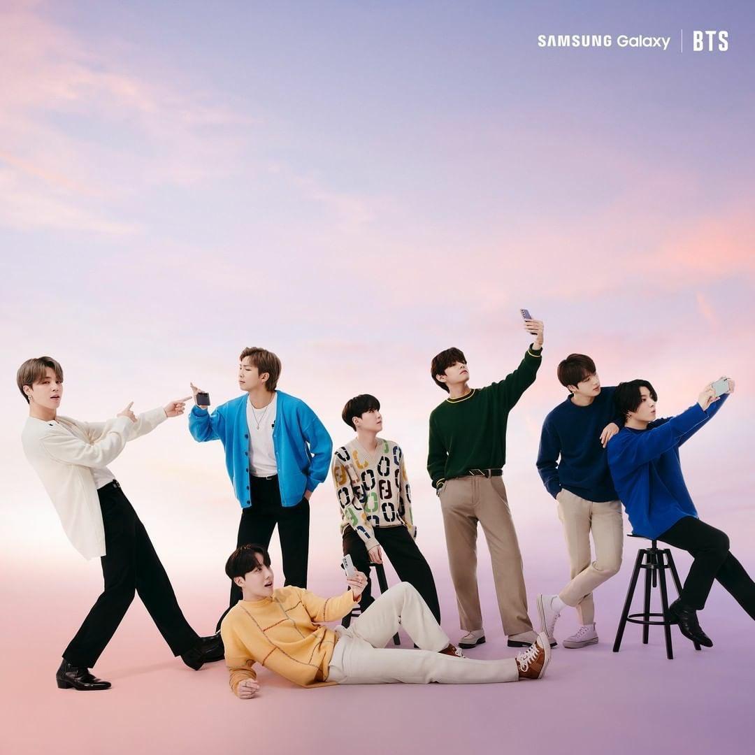 they look so cute 🤳🏼#SamsungUnpacked