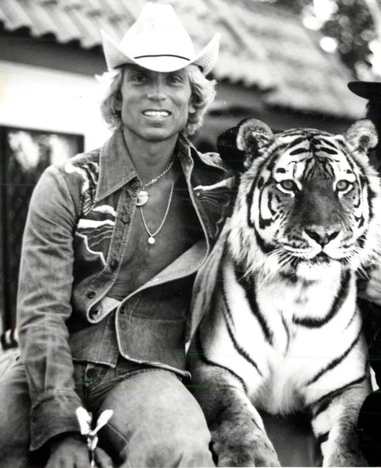 This Duo had such an incredible career with their cats🐯 #ripSiegfried Fischbacher the original Tiger