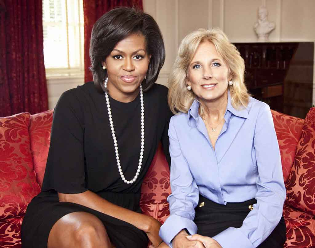 Replying to @DevonESawa: Here's a picture of Dr. Biden being welcomed and briefed by the First Lady.