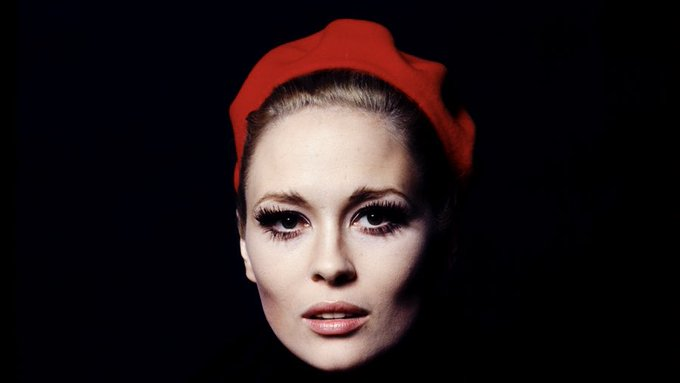 Happy birthday to Faye Dunaway!  Photo by Jerry Schatzberg, 1968.