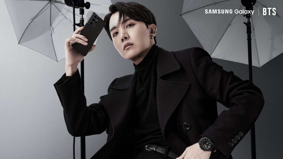 📸: @BTS_twt's #jhope strikes a killer pose with the #GalaxyS21.  #GalaxyxBTS Learn more: