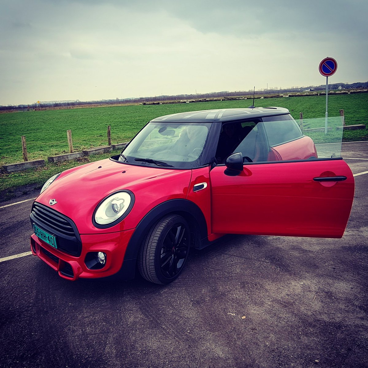 So happy with my new car!  Is it the 25th already!?  #newcar #minicooper #notnormal #thursdaymorning