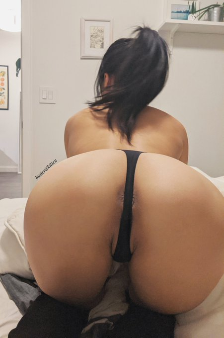 1 pic. Does black look good on me? https://t.co/MX7HZP7xfh
