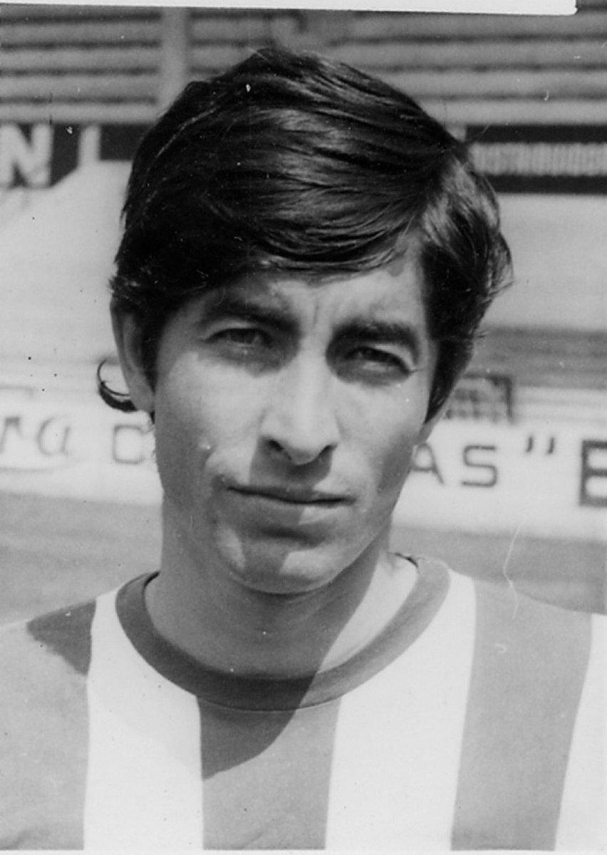 🔙 El 14 de enero de 1962 Rafael Mendiluce debutó de txuri urdin 🔵⚪️🔵  ⚽️ 309 partidos   #IQONIQMoments #HistoriaRS #AurreraReala