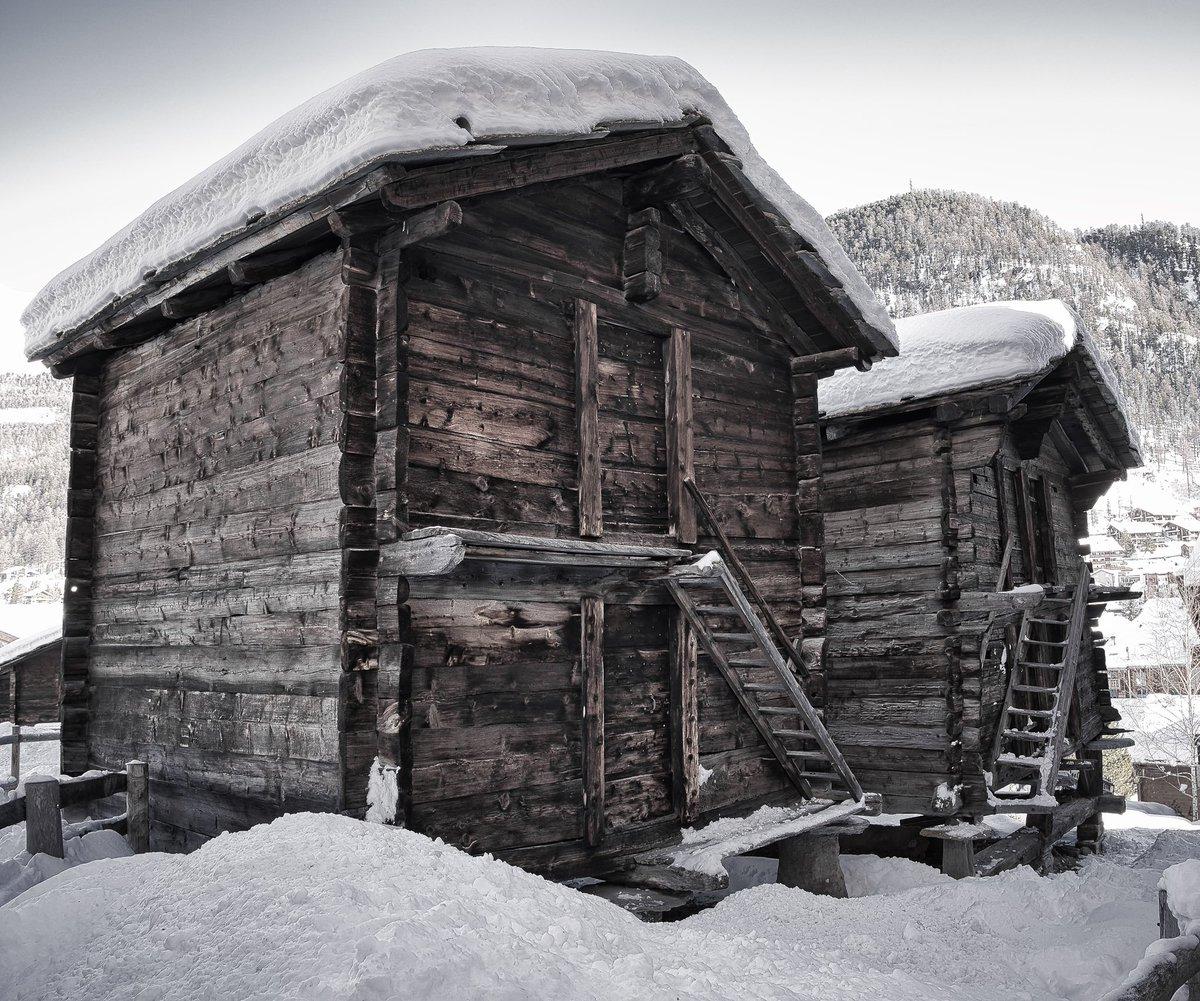 Zermatt Switzerland #zermatt #switzerland #swissalps #swiss #zermattmatterhorn #alps #zermattswitzerland #schweiz #snow #wallis #nature #myswitzerland #travel #ski #inlovewithswitzerland #mountain #suisse #visitswitzerland #winter #photography #glacier