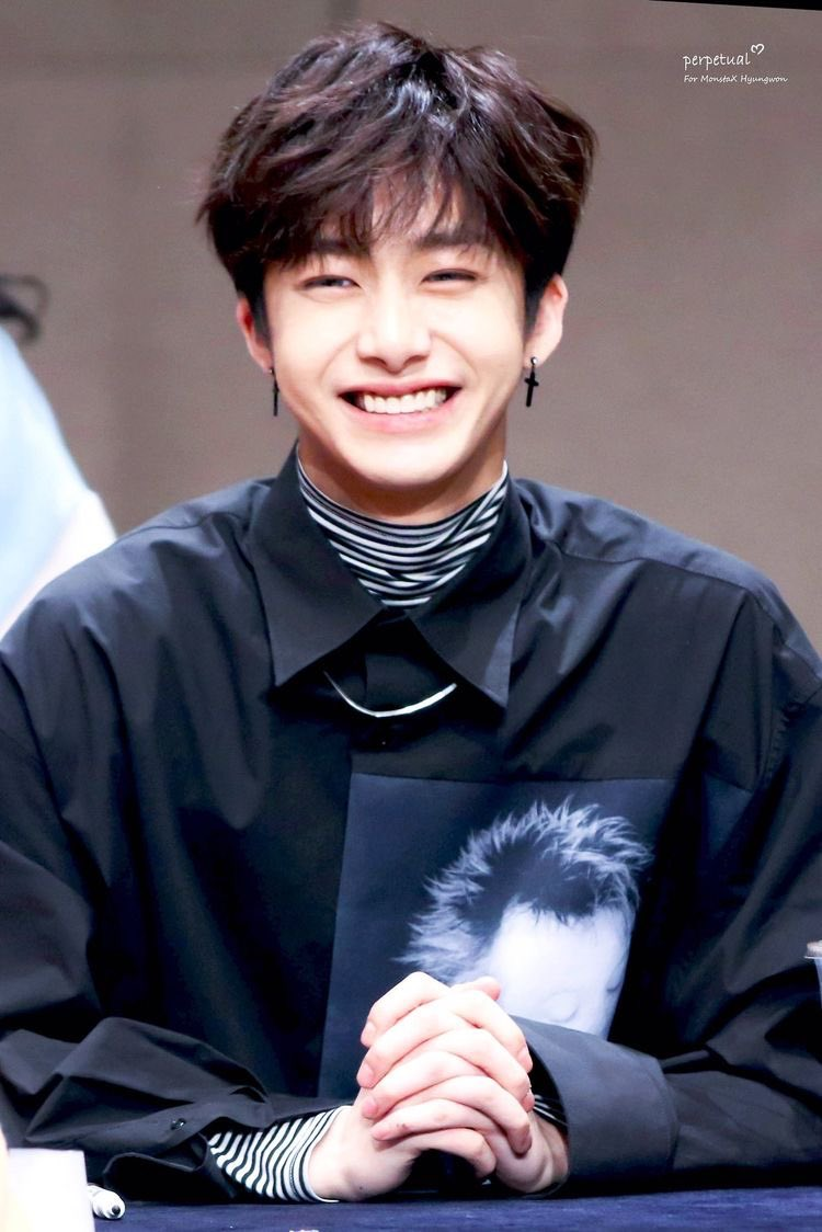 Happy Birthday Hyungwon, we love you so much, we wholeheartedly wish you a lot of health and happiness in your life. 💗💗💗  #생일축하합니다형원 #PrinceHYUNGWONsDay #HappyBirthday #HYUNGWON #MONSTAX #Monbebe @OfficialMonstaX