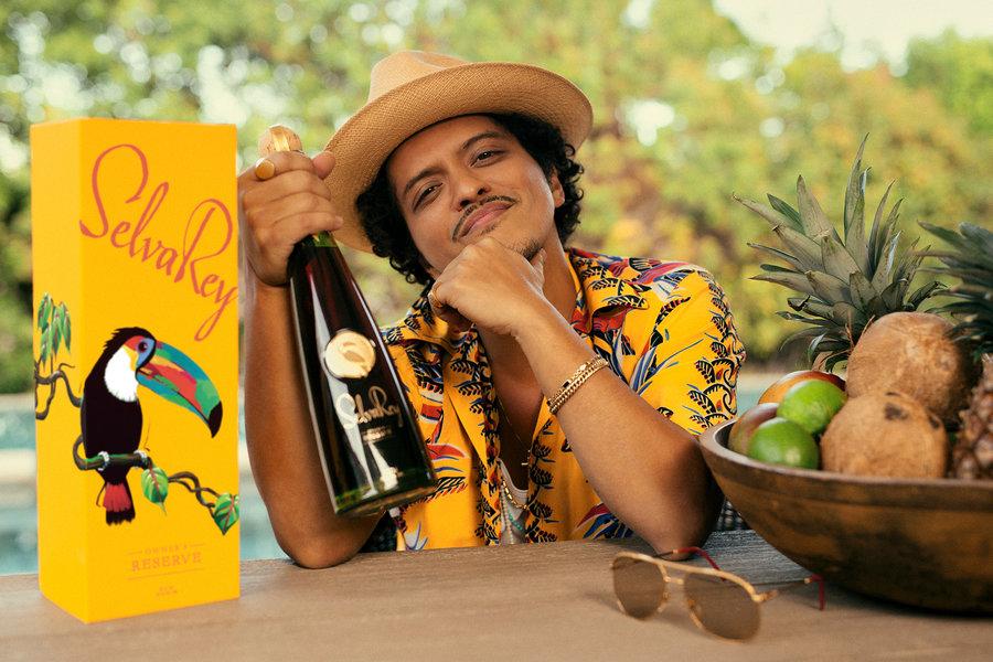 😍❤🍹🌴🥥✨ @BrunoMars @SelvaReyRum #TropicalLuxury 📸