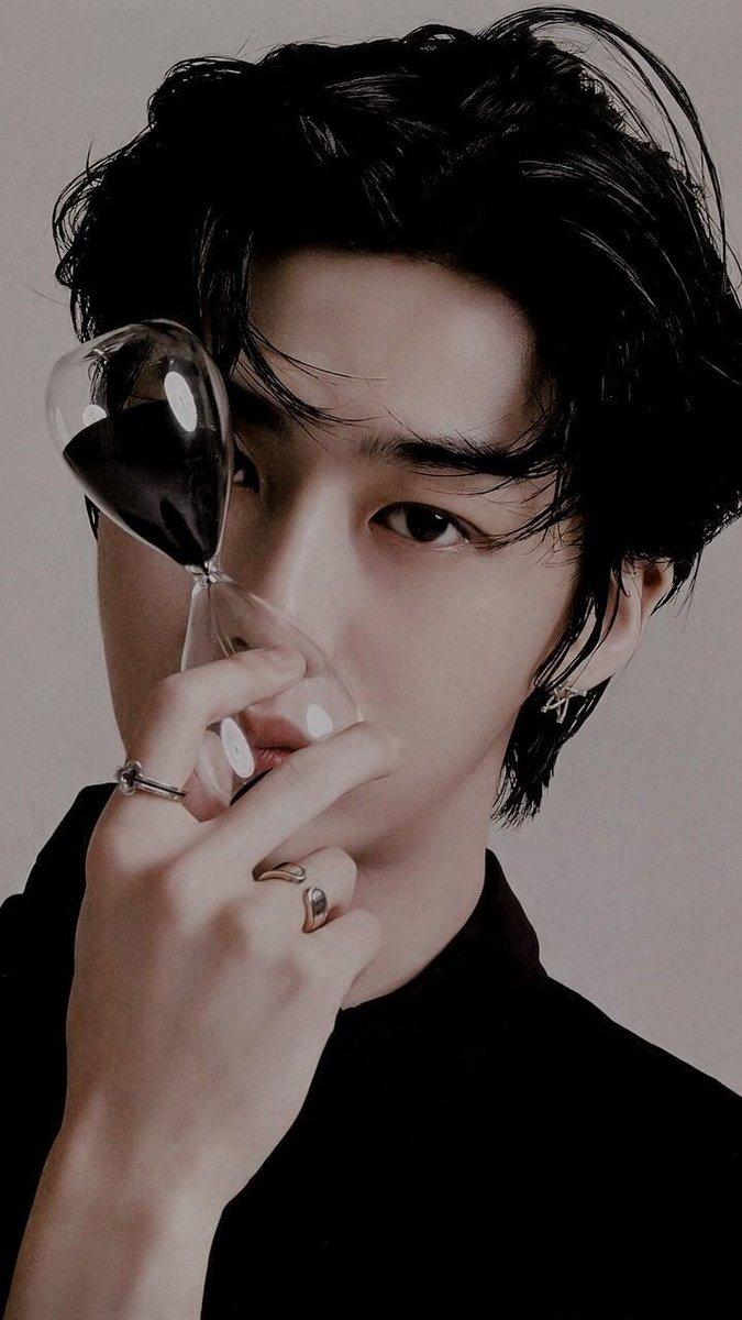 #HBDtoHYUNGWON ¡Felíz cumpleaños, Wonnie precioso! #NobodyElseButHyungwon  #HYUNGWONDAY  #HyungwonweloveyouMONBEBES  #MONSTAX