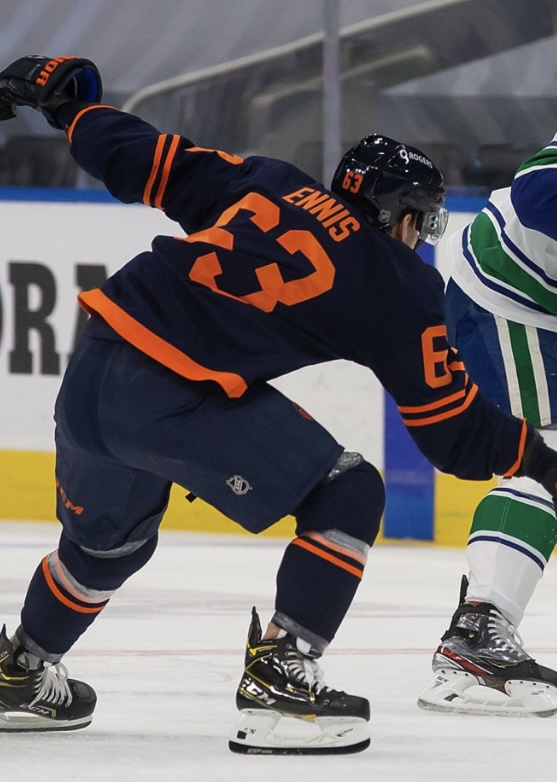 Tyler Ennis with a few CCM additions this season. He's now wearing a V08 helmet and Super Tacks AS3 Pro skates.  #LetsGoOilers