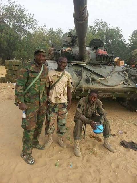 Lt Col Abu Ali along with 6 other soldiers were ambushed and killed by Boko Haram on November 4, 2016.. #ThankASoldier reply #ThankASoldier 🇳🇬✊