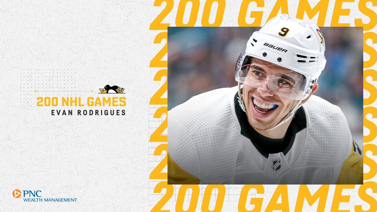 El delantero de @penguins @evanr17 ha disputado ya los 2️⃣0️⃣0️⃣ goles de su carrera en la @NHL #NHLesp #Pens #LetsGoPens #NHL