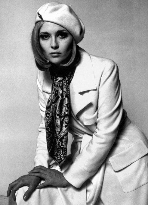 Happy Birthday Faye Dunaway (photo by the great photographer & filmmaker Jerry Schatzberg)