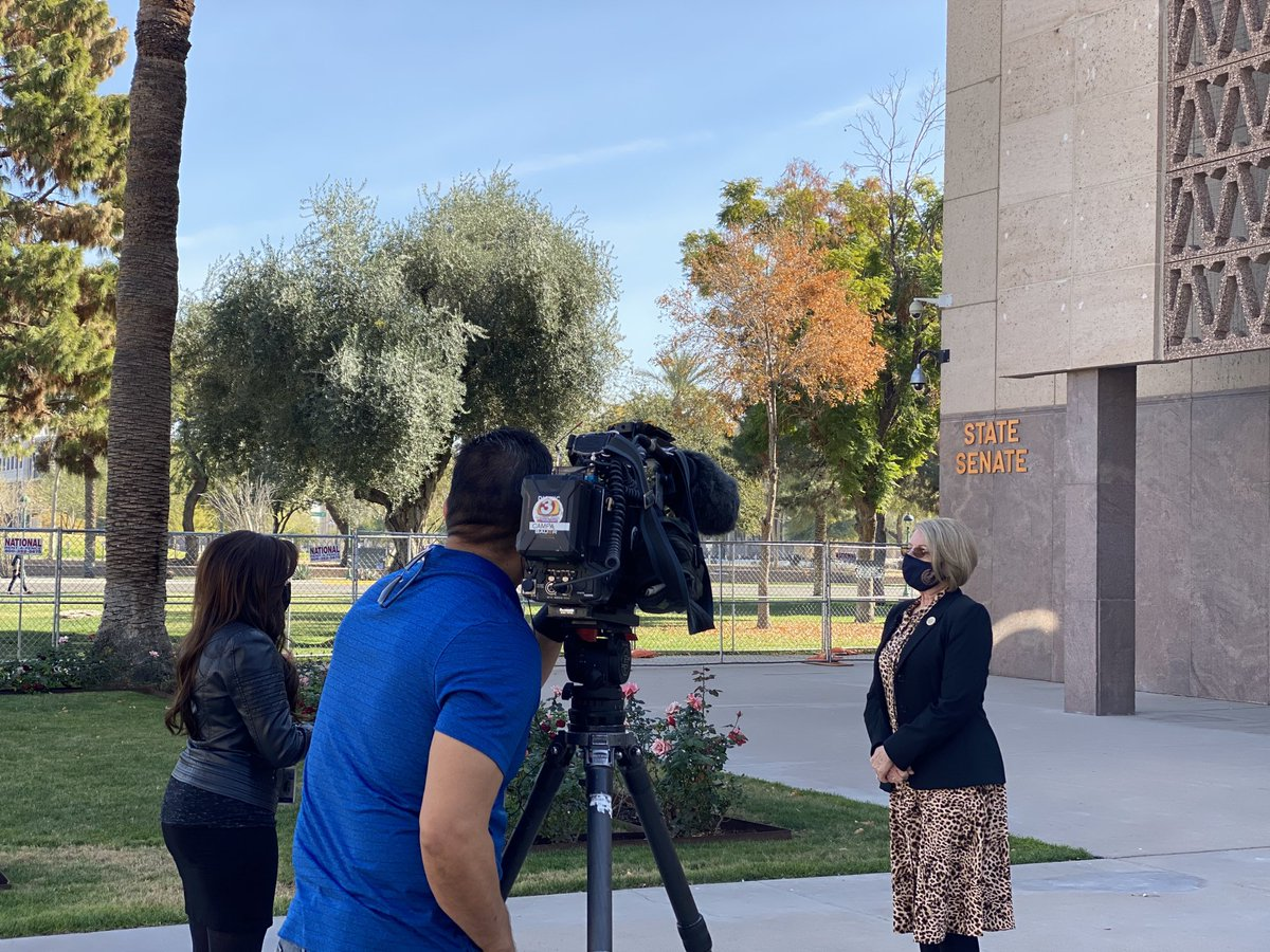 Busy day for President ⁦⁦@FannKfann⁩!   She has been meeting with local and national reporters all week to discuss various topics!   President has an open door policy for media. #Transparency is key!  #AZSenate