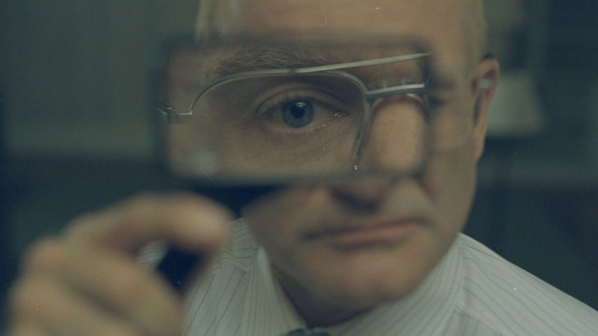 ONE HOUR PHOTO (2002)  Cinematography by Jeff Cronenweth Directed by Mark Romanek Explore more shots in our database: