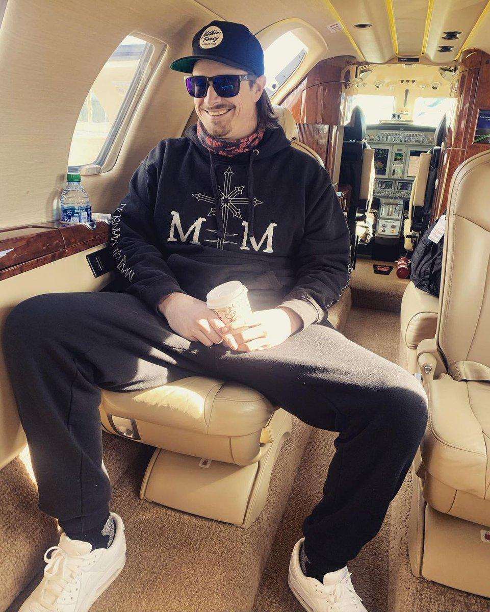 "Insert ""drunk on a plane"" caption. Thx @DierksBentley for being a great host🏔❤️"