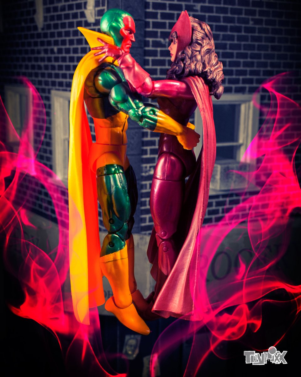 I figured there wouldn't be a better time for a pic featuring these two.  #wandavision #hasbrotoypic #toyphotography #fanart #actionfigures #marvelcomics #marvellegends #mcu #avengers @wandavision @Marvel @Hasbro