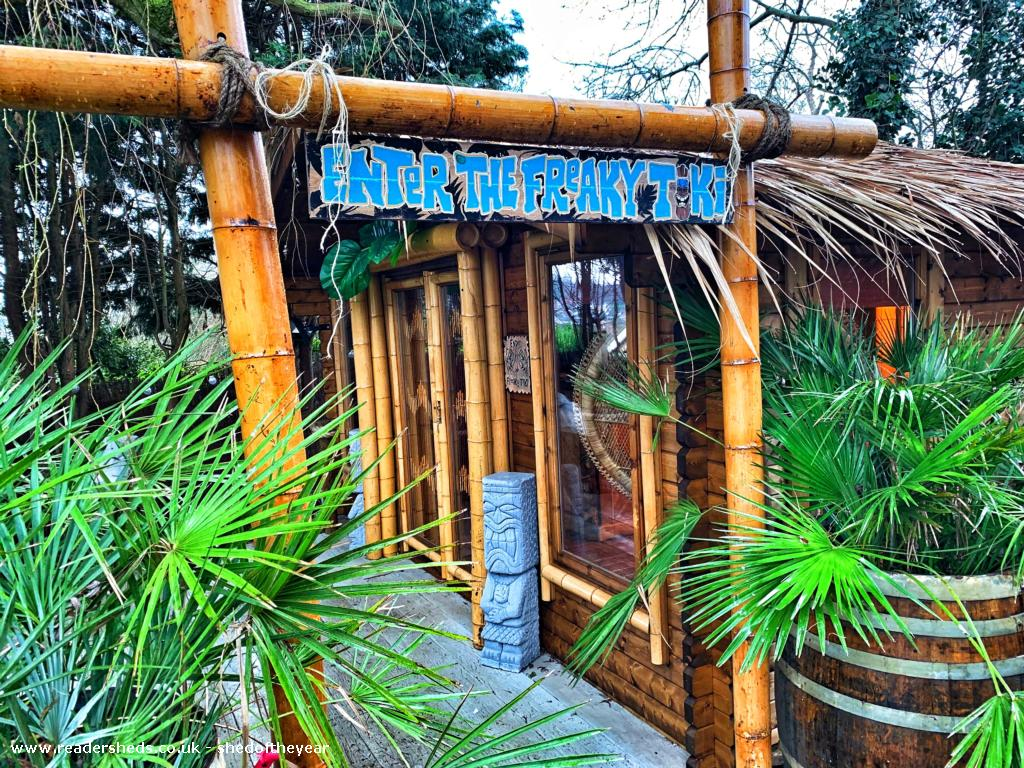 """#ThrowbackThursdays from 2019 - The Reef Cavern  - """"Its a tropical tiki hut with cocktail bar with an ocean view window """" Pub/Entertainment - Northamptonshire #shedoftheyear  #pubsheds"""