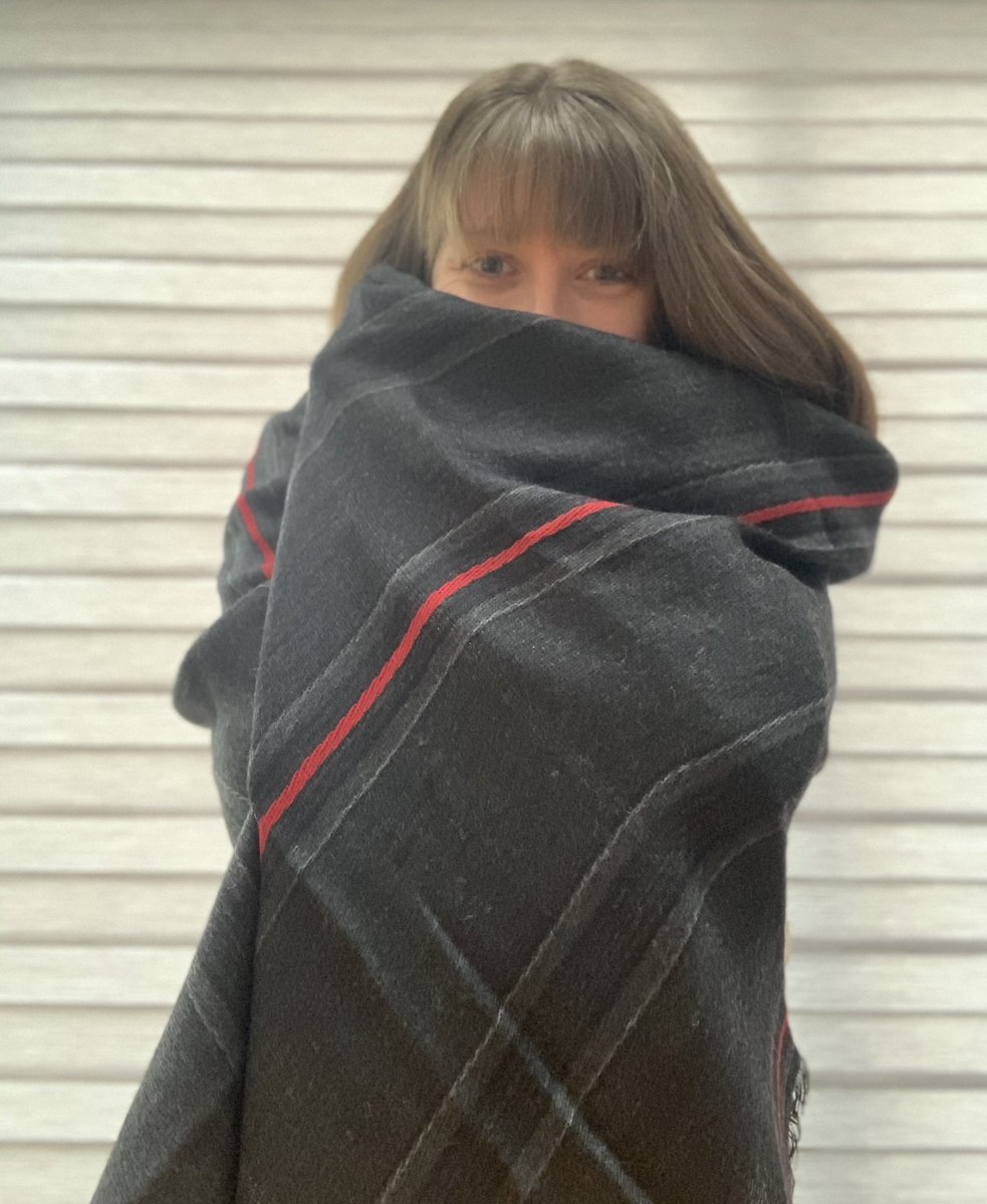 Best snuggle blanket ever @SamHeughan @SassenachTartan ❤️ #bestblanketever sleep well everyone...I know I will!!