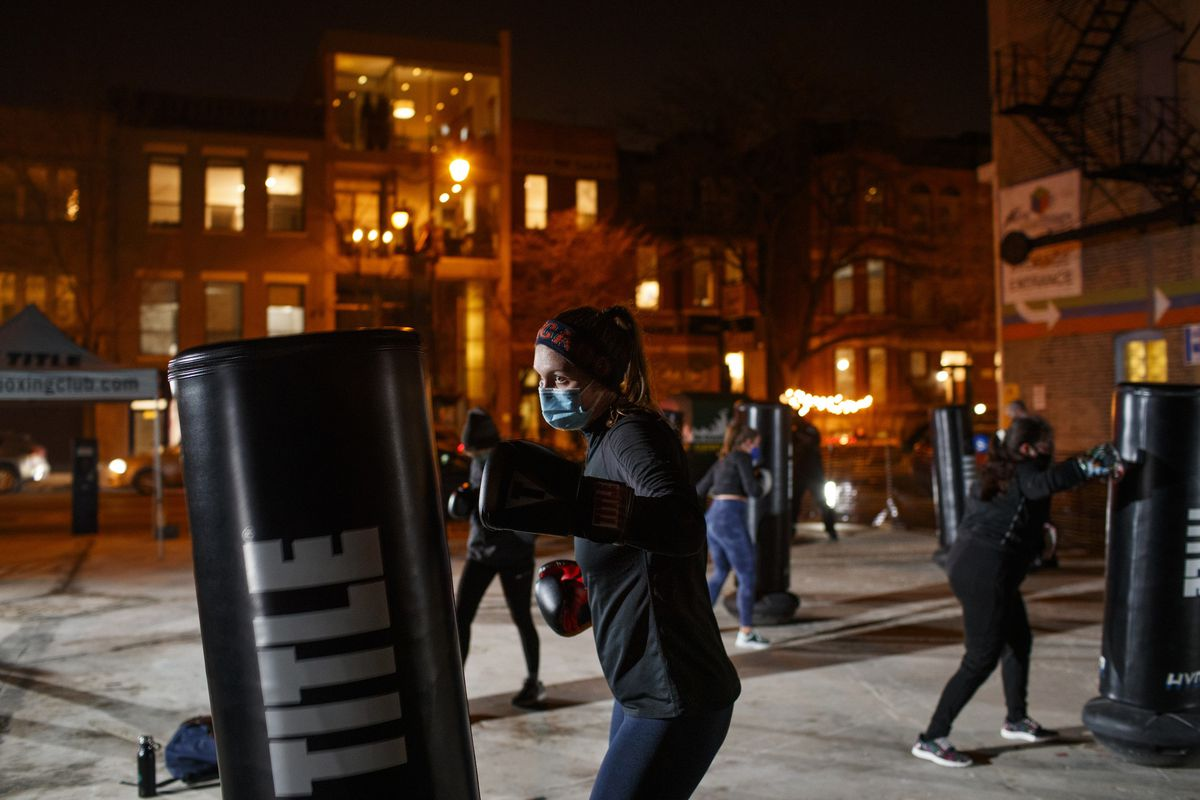 The COVID-19 pandemic might have some Chicagoans reconsidering their stance on avoiding the cold outdoors. Here are tips for how to get fit outside. #fitness https://t.co/FEUFVxzrJB https://t.co/MiVAnnamv5