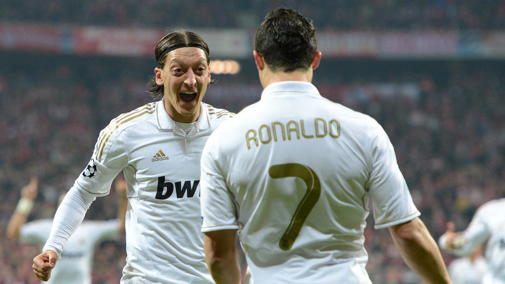 """🗣️ Cristiano Ronaldo (2013): """"Mesut Ozil made me the worlds best striker.""""  🗣️ Mesut Ozil when asked who's the greatest player of all-time for him (2020): """"Cristiano Ronaldo."""""""
