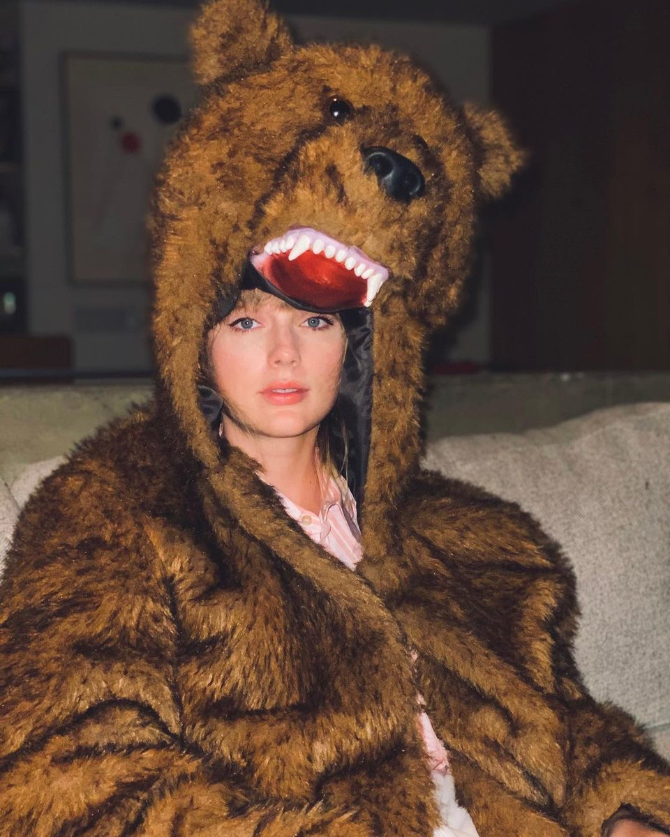 don't be suspicious, don't be suspicious 🐻 #shewaswithmedude