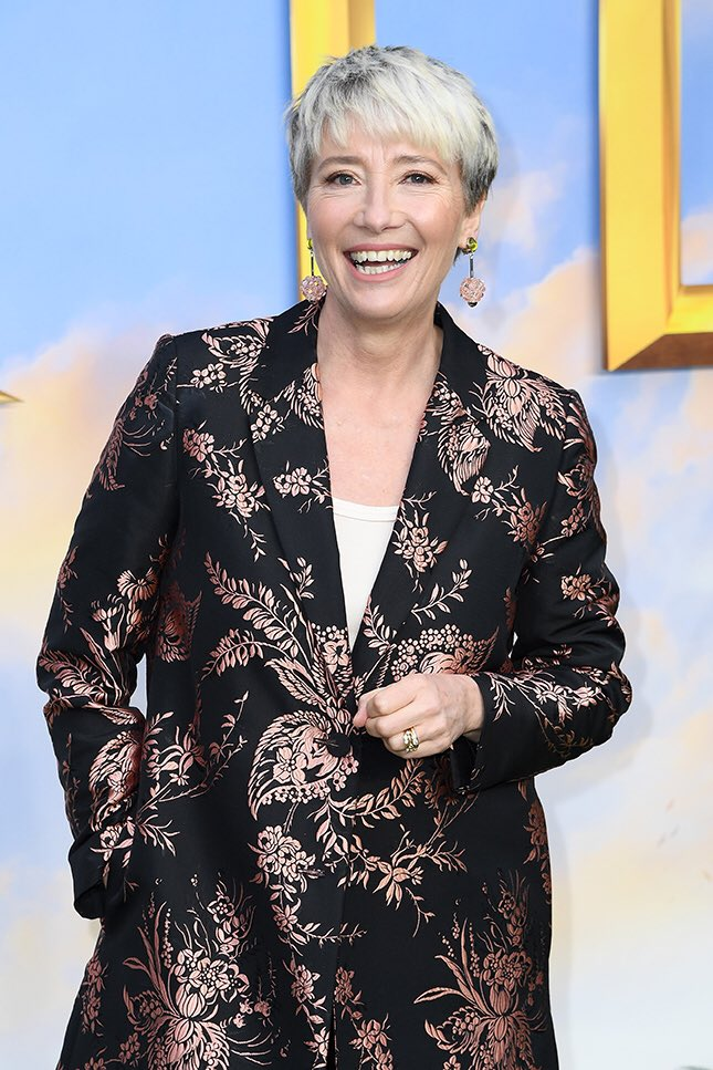 """Breaking: #EmmaThompson will play bullying Miss.Trunchbull in @MatildaMusical film, #MatthewWarchus, @Working_Title ,@roald_dahl , @NetflixFilm have confirmed .Part created by @bertiecarvel @TheRSC but Warchus sd role """"re conceived"""" for film """"and now can be played by a woman!""""2/5"""