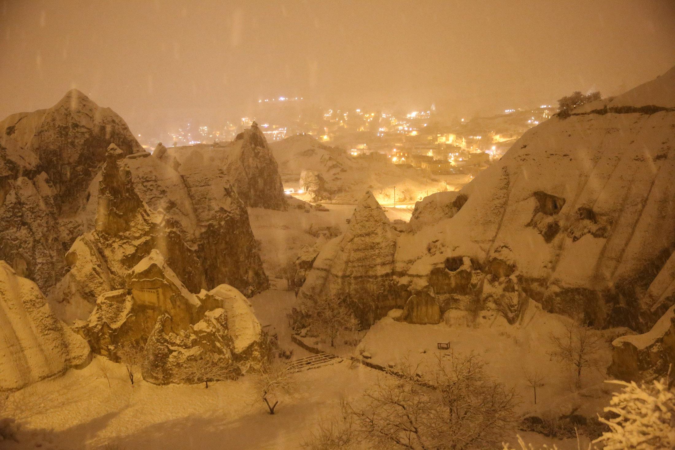 Ein Winterwunderland im türkischen Kappadokien.