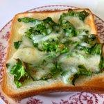 こうして食べるのも実は美味しい?!ちょっと変わった、菜の花トースト!