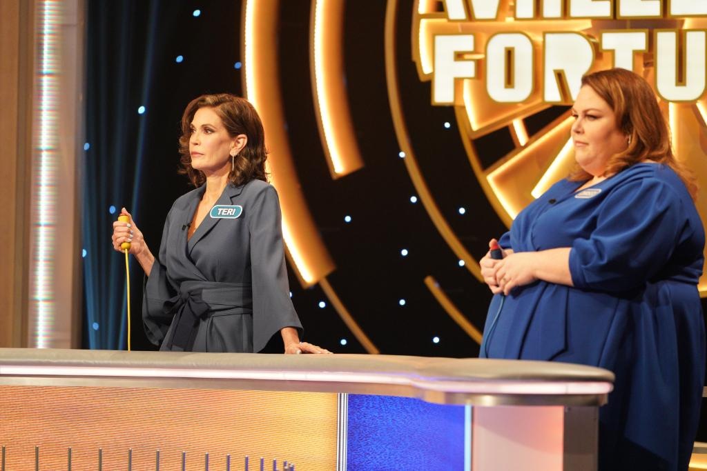 When the stakes are high, the game faces come ON! 👊  #CelebrityWheelOfFortune @ChrissyMetz @HatchingChange