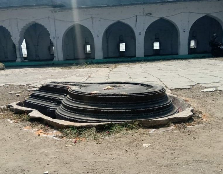 'Their' Lies can suppress the Truth for sometime, But not Forever !!  A Dargah in Khuldabad, Maharashtra