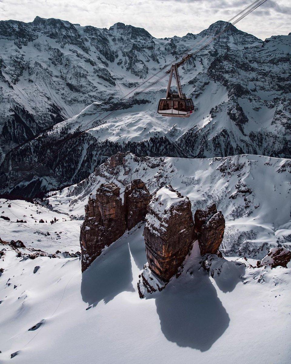 Where does this cable car go? Check it out 👉    @murren007 | @madeinbern | @MySwitzerland_e  #Mürren #mountains #favourite #jungfrauregion #madeinbern #inLOVEwithSWITZERLAND #switzerland ⠀ 📸