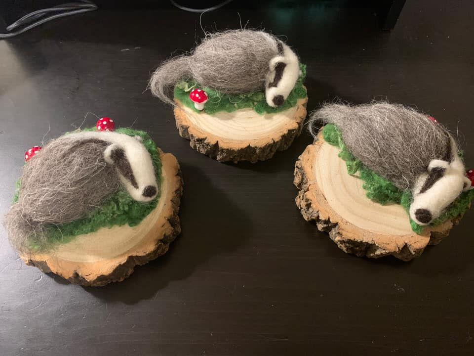 How cute are these needle felt badgers? 😍  They were made by one of our followers, Joanne, who told us that 'combining a love of badgers with such a relaxing hobby is just perfect'.   Is anyone else doing some badger-themed crafts during lockdown?