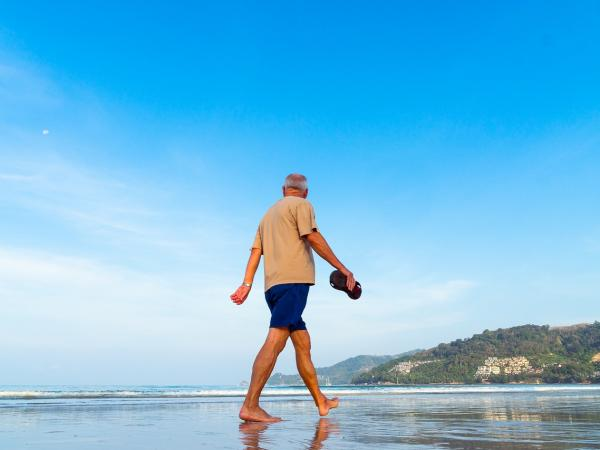 It is always good to walk, or to do other #exercise outdoors, and have company at the same time - it's especially beneficial for people with #dementia.  This article by Dr Jitka Vseteckova, from @OU_WELS faculty, gives five reasons why: https://t.co/4ZJjcbiI10 https://t.co/Szw09p9MBh