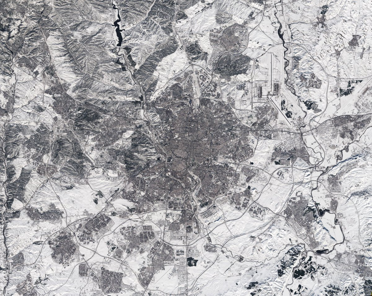 This week at @esa #EarthObservation we: 🛰️ flew over the Tanezrouft Basin in the Sahara desert 🛰️ learnt about new interesting findings by @esas #Swarmission 🛰️had a look at a snowbound #Spain from space