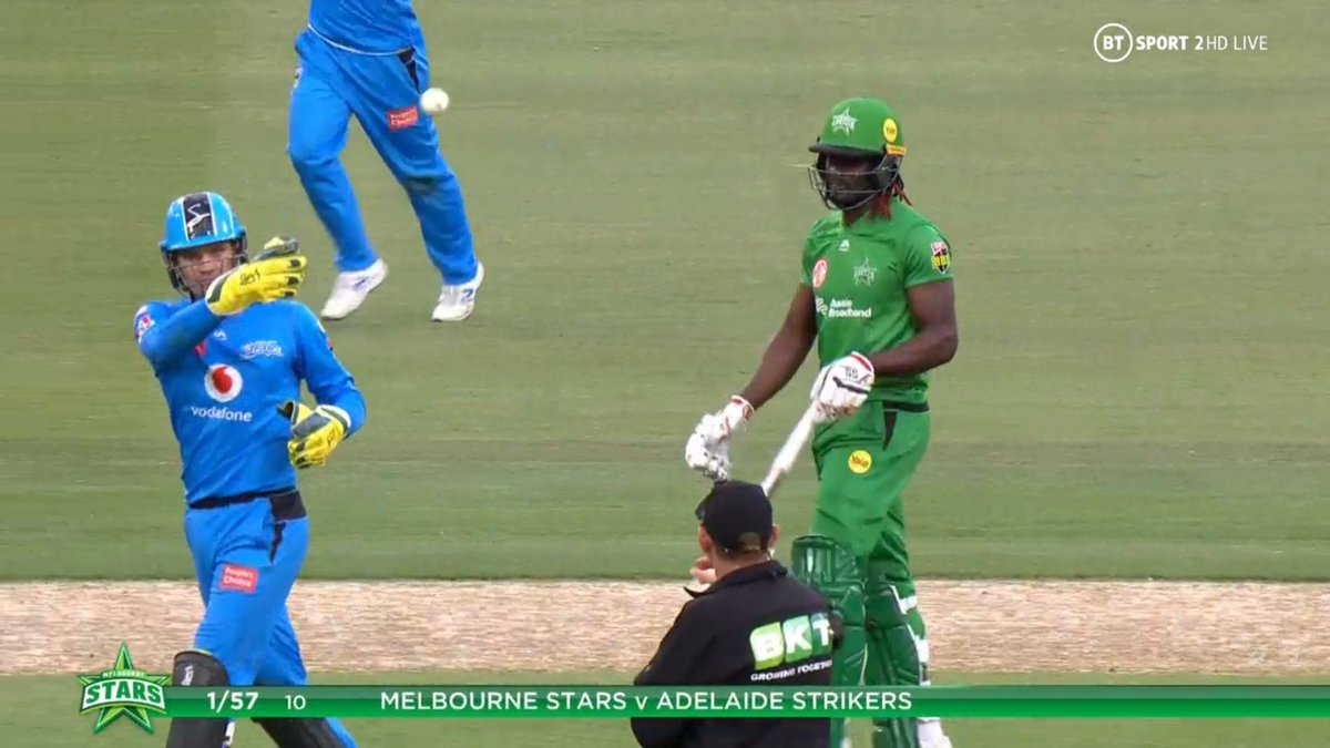 BIG BASH LEAGUE Melbourne Stars vs Adelaide Strikers  After 10 overs, Melbourne Stars scored 57 - 1. Adelaide Strikers will need to score at least 58 runs, in the first half of their Innings, in order to claim the Bash Boost bonus point.  Image Credits: BT Sport https://t.co/XgJXTPrB5W