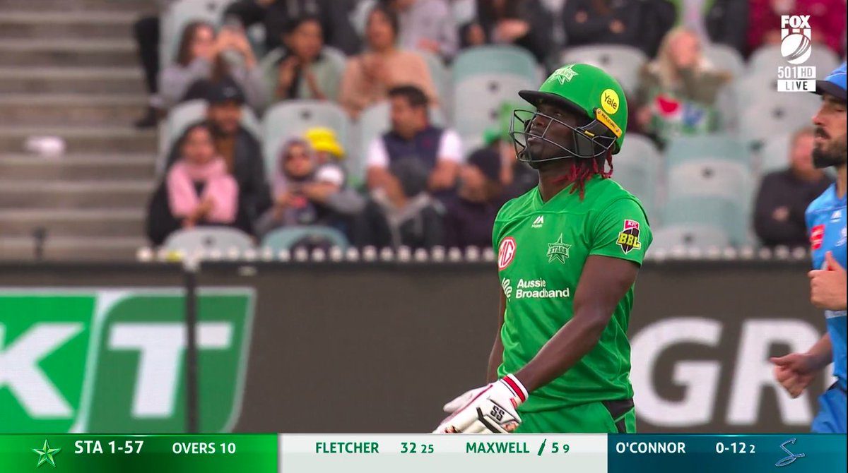 10 overs down at the MCG with the Stars 1-57.  📺 Watch #BBL10 on Fox Cricket or Kayo: https://t.co/M1aCP8Fflk 📝 Live Blog: https://t.co/MImwyYx2w1 📱 Match Centre: https://t.co/OFoYsunZI6 https://t.co/yPNFbfpn7z