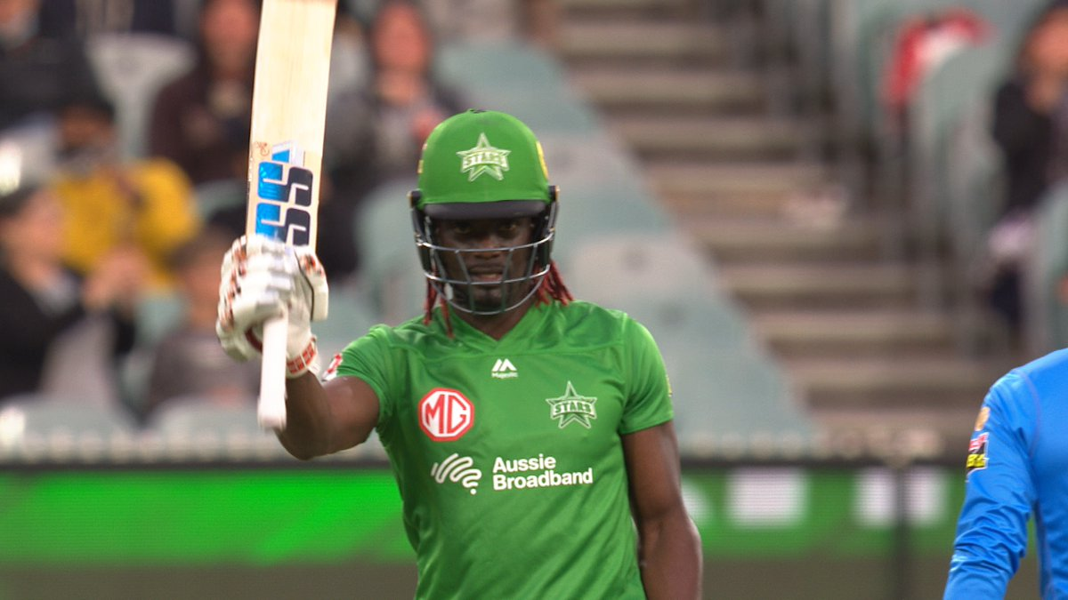 50! The Spiceman 🌶️  reaches his half-century.   📺 Watch #BBL10 on Fox Cricket or Kayo: https://t.co/M1aCP8Fflk 📝 Live Blog: https://t.co/MImwyYx2w1 📱 Match Centre: https://t.co/OFoYsunZI6 https://t.co/mEWCxdyIoW