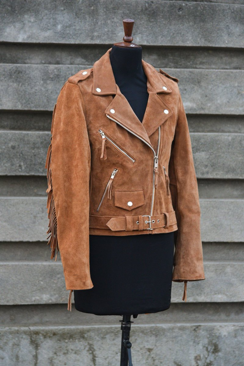 Leather Suede Tan Jacket #leather #leatherwork #leathercraft #leatheraccessories #leatherbelt #leatherhat #leatherwallet #leathergoods #accessories #christmasgifts #christmasshopping #christmasgift #christmasgiftideas  https://t.co/VfHuHRXu6E https://t.co/Rzq5JyawAE
