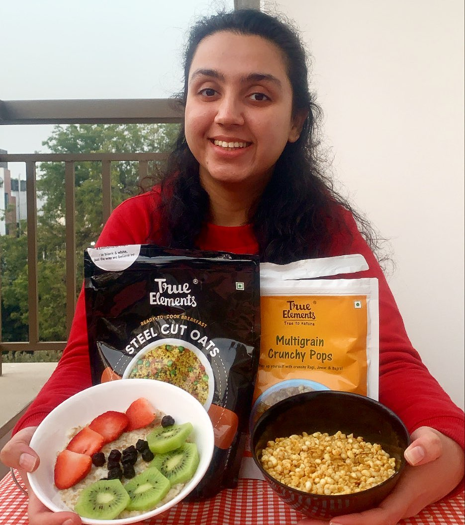 Pleased to see @pehlepetpuja receiving her share of #true goodness to stock up her weekend binge-snacking plans  #TrueElements #MadeOfTruth #MultigrainCrunchyPops #WeekendVibes #FridayFeeling #HealthySnacking