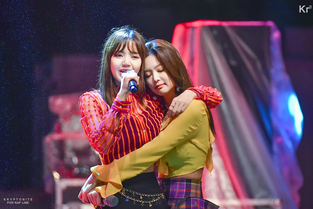 Happy birthday to the beautiful and precious Kim Jennie ✨ Thank you for sharing to us amazing stories about Lisa and for always cheering on her. We wish you good health, success, and genuine happiness 💕  #PricelessJennieDay #BonJennieversaire #빛이나는_제니의_모든날이_찬란하길