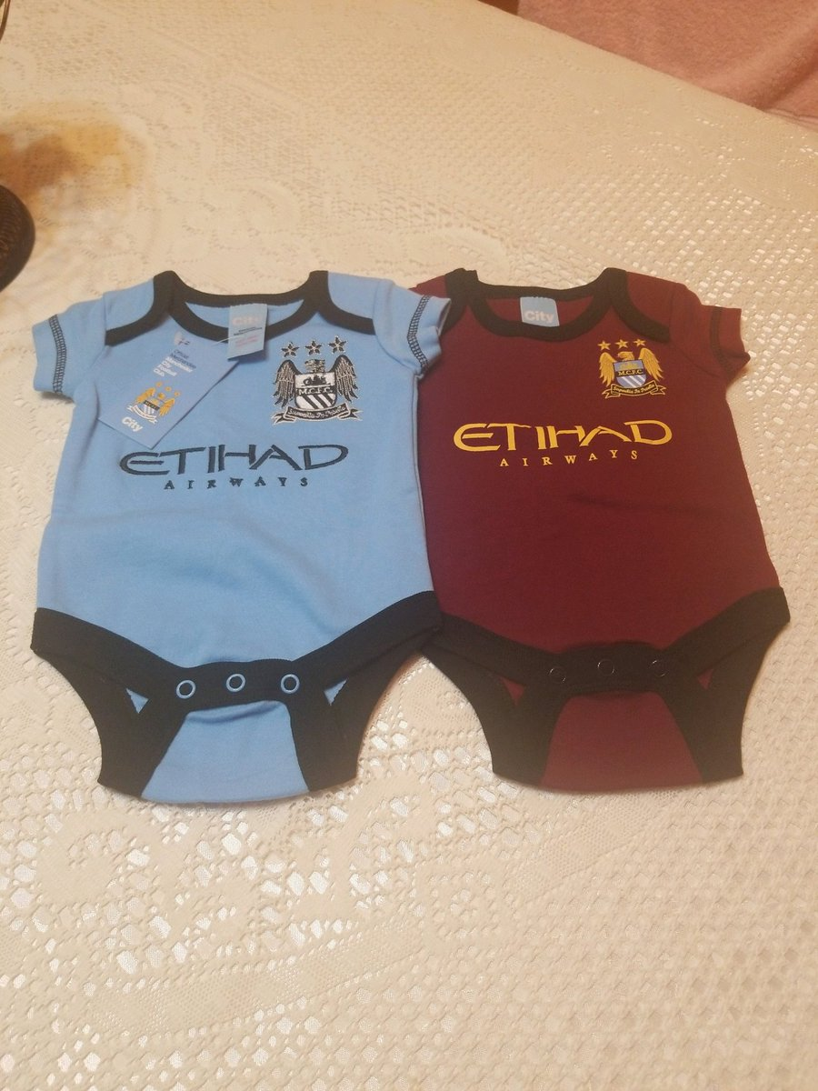 Raise your kids the right way 😎 #ManCity